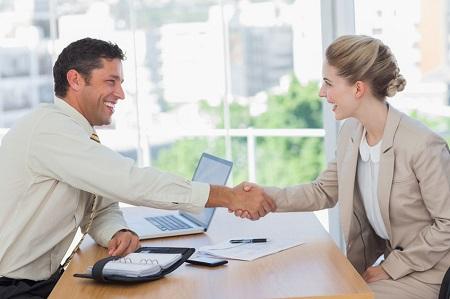 在线外贸英语口语培训哪家好,一节课大概要多少钱?